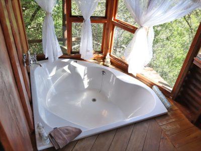 gorge-view-bathroom-2