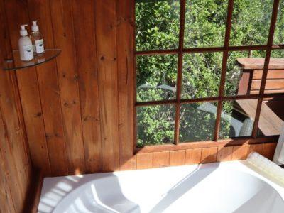 louries-nest-bathroom-4