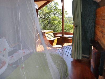 louries-nest-bedroom