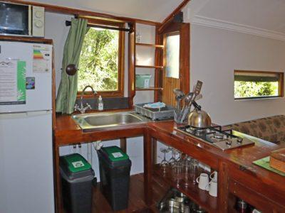 louries-nest-kitchen